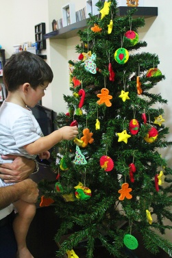 christmas tree with handmade ornaments:nady